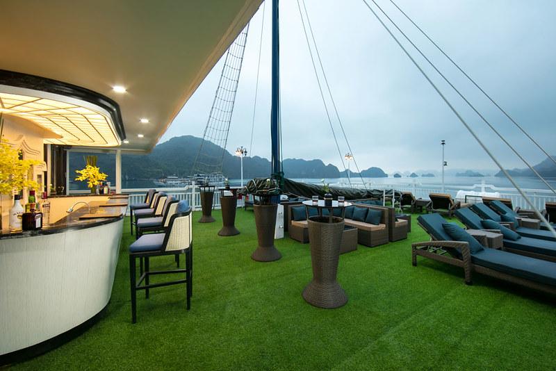 Combo Nghỉ Dưỡng Du Thuyền La Pinta Luxury Cruise 5 Sao