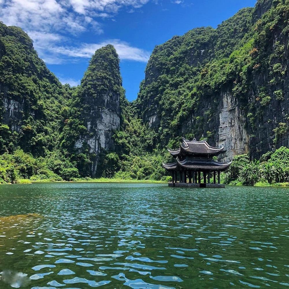 Tour du lịch 01 ngày Hà Nội – Bái Đính – Hang Múa – Tam Cốc